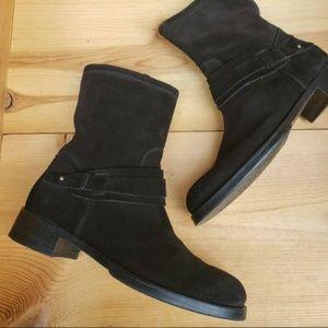 Alberto Fermani 38.5 Suede side zip ankle boots